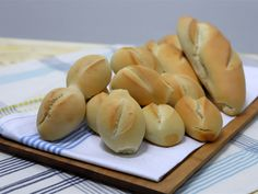 Pan Bread, Scones, Hot Dog Buns, Garlic, Food And Drink, Cooking Recipes, Vegetables, Paninis, Homemade Breads