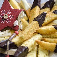 Knusprige Plätzchenrezepte Wolfszähne - ein uraltes Plätzchenrezept aus Omas-Zeiten mit Schokoladenspitzen