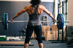 Elisabeth Akinwale ladies and gentlemen. dat back tho Beach Workouts, Workouts For Teens, Fun Workouts, Crossfit Motivation, Crossfit Athletes, Crossfit Women, Fitness Photography, Up Girl, Weight Lifting