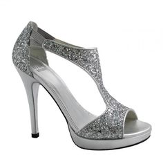Feel Like Cinderella in Your Sparkly Wedding Shoes Sparkly Heels, Prom Heels, Glitter Heels, Stiletto Heels, Fab Shoes, Me Too Shoes, Shoes Heels, Silver Heels Wedding, Heeled Boots