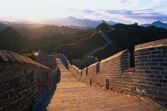A Beautiful Shot of The Great Wall With a Gorgeous Sky  Photo by: topgold, Creative Commons