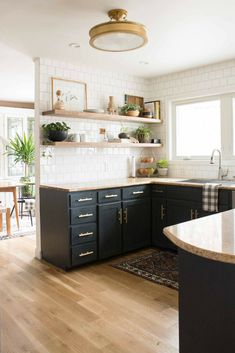 Modern kitchen themes kitchen design center,new kitchen renovation ideas modern kitchen ideas & home stationary kitchen islands with storage. Black Kitchen Cabinets, Black Kitchens, Home Kitchens, Kitchen Black, Kitchen Backsplash, Backsplash Ideas, Country Kitchen, Metal Cabinets, Kitchen Countertops