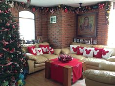 Mickey Mouse Home decorations love the garland around the ceiling                                                          LOVE this!!