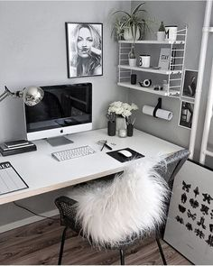 31 White Home Office Ideas To Make Your Life Easier; home office idea;Home Office Organization Tips; chic home office. Home Office Design, Home Office Decor, House Design, Office Ideas, Office Designs, Office Furniture, Office Inspo, Office Style, Business Office Decor