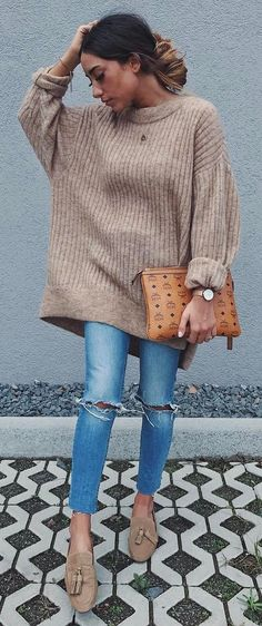 I just ordered an over sized sweater like this in olive green!