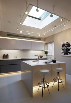 Made with LEICHT Arctic white and Alpine Grey kitchen furniture and Siemens Appliances, this Chelsea kitchen is example of supremacy, at Elan Kitchens. Grey Kitchen Furniture, Diy Furniture, German Kitchen, Luxury Kitchens, Modern Kitchens, Modern Exterior, House Goals, Modern House Design, Kitchen Design