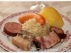Choucroute alsacienne traditionnelle, Recette Ptitchef Sauerkraut Recipes, Cuisine Diverse, Bastille Day, French Food, Everyday Food, International Recipes, Yummy Snacks, Casserole, Food To Make