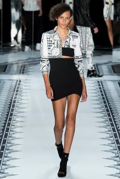 Versus Versace Spring 2015 Ready-to-Wear - Collection - Gallery - Look 27 - Style.com