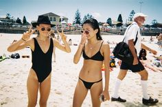 How to Take Good Beach Photos Candid Photography, Documentary Photography, Street Photography, Gopro Photography, Film Aesthetic, Summer Aesthetic, Film Camera, Retro Vintage, Bffs