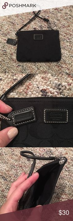 """Coach Wristlet Super cute Coach wristlet. Color is black. Traditional """"C"""" pattern. Coach Accessories"""