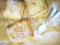 Little Warm Bramley Apple Pies