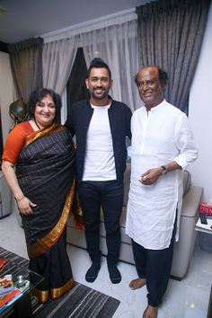 Ms Dhoni with Rajinikanth and his wife. Saved by SRIRAM History Of Cricket, World Cricket, Bollywood Actors, Bollywood News, Dhoni Quotes, Ms Dhoni Wallpapers, India Cricket Team, Chennai Super Kings, Love U Forever
