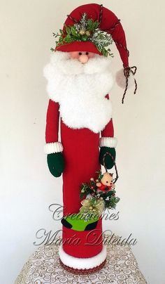 31 The Best Santa Claus Decorations For Your Home Gingerbread Decorations, Christmas Door Decorations, Christmas Ornaments To Make, Christmas Projects, Christmas Crafts, Wood Reindeer, Reindeer Craft, Holiday Tree, Beautiful Christmas