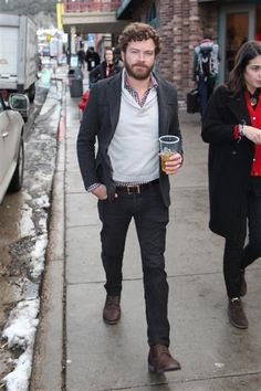 yowza! Danny Masterson shows how its done! this is how a man should dress. he cleans up nicely when not playing hyde. :)