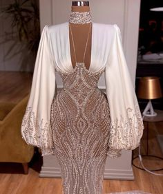 Stunning Dresses, Beautiful Gowns, Pretty Dresses, Glam Dresses, Event Dresses, Mermaid Evening Gown, Evening Gowns, Formal Evening Dresses, Classy Dress