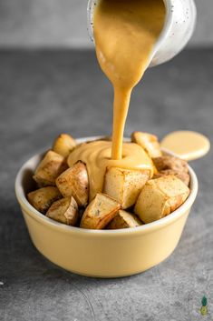 Vegan Cheddar Cheese, Vegan Cheese Recipes, Vegan Cheese Sauce, Vegan Sauces, Vegetarian Recipes, Healthy Recipes, Vegan Foods, Vegan Lunches, Free Recipes