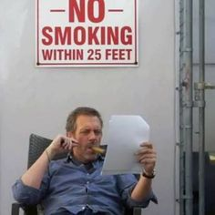 Hugh having a house moment Best Tv Shows, Favorite Tv Shows, It's Never Lupus, House And Wilson, Medical Series, Everybody Lies, Mejores Series Tv, Gregory House, Tv Doctors