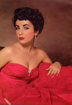 Elizabeth Taylor. I was thinking of letting my hair grow...now I'm wondering if I just need to cut it like this...hmmmm