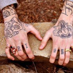 Tathunting for hand tattoos