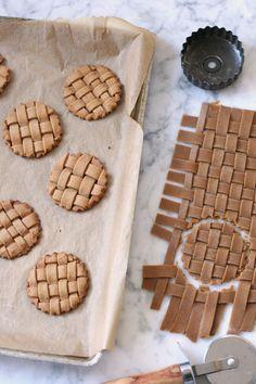 Gingerbread Lattice Cookies: 37 Best Cookie Recipes