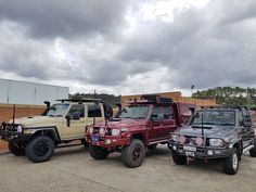 It's a Landcruiser kind of day. Standard height on the right and lifted with tyres on the left. Fj Cruiser, Toyota Land Cruiser, 4x4 Off Road, Monster Trucks, Dirt Bikes, Country Life, Camper, Traveling, Instagram