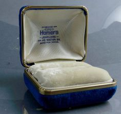 #Vintage Velvet Ring Jewelry Box Homers Boston MA by jujubeezcloset, $15.00