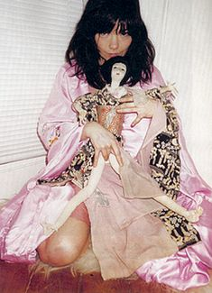 Bjork by Juergen Teller, 2001 Source: www.indexmagazine.com