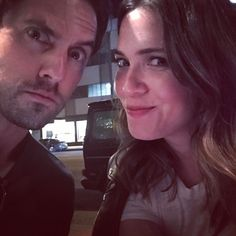 This is Us Mandy Moore and Milo Ventimiglia Mandy Moore Milo Ventimiglia, Milo This Is Us, Best New Shows, Chick Flicks, Misha Collins, On Set, Mom And Dad, Girl Crushes, Fangirl