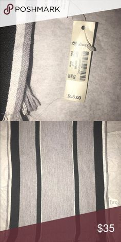 "New Madewell University Stripe Scarf B3564 $58 Retail: $58 Color: Gray, Black and White   PRODUCT DETAILS A supersoft Italian weave with a bold mix of stripes.   Acrylic/wool/cotton. 74 4/5""L x 13 2/5""W. Dry clean. Import. Item B3564  I come from a smoke free and pet free environment. Madewell Accessories Scarves & Wraps"