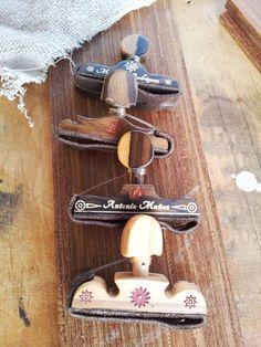 Conjunto de cejillas para guitarra cásica o flamenca personalizadas, fabricadas en madera de ciricote y personalizadas.