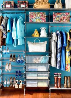 Check out these 7 Easy Organizational Tips for simple ways to declutter your home. Maximize your space and turn your house into a home by organizing for your everyday life.