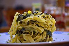 Non sono veri nidi ovviamente, ma se avete bisogno di una cena dell'ultimo minuto da fare in meno di 20 minuti, allora questa è la ricetta giusta (in due versioni: vegetariana e vegana) per fare be...