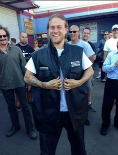 Charlie Hunnam Jax Teller sons of anarchy Charlie Hunnam Girlfriend, Charlie Hunnam Soa, Jackson Teller, Sons Of Anarchy Motorcycles, Sons Of Anarchy Samcro, Jax Teller, Downey Junior, Man Photo, Man Alive