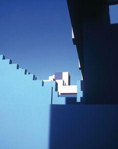 Ricardo Bofill Taller de Arquitectura · La Muralla Roja · Divisare