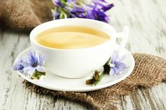 Recepty na 2 ověřené čaje na hubnutí - Slunečný život Tea Cups, Menu, Tableware, Decoration, Buxus, Rain Shower Heads, Menu Board Design, Dinnerware, Decorating