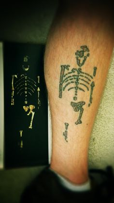 What an awesome tattoo! I would be proud to sport Lucy on my calf !!