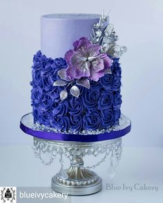 Violet wedding ideas for cake Gorgeous Cakes, Pretty Cakes, Amazing Cakes, Cupcakes, Cupcake Cakes, Wedding Cake Designs, Wedding Cakes, Wedding Ideas, Violet Cakes