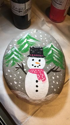 Painted Rock Ideas - Do you need rock painting ideas for spreading rocks around your neighborhood or the Kindness Rocks Project? Here's some inspiration with my best tips! Pebble Painting, Pebble Art, Stone Painting, Outdoor Christmas Tree Decorations, Diy Christmas Ornaments, Rock Painting Ideas Easy, Rock Painting Designs, Paint Ideas, Stone Crafts