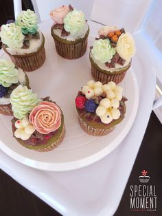 +Greentea chocolate flower buttercream cupcake for Boyfriend's parents/butter cream cake/wedding cupcakes/cupcake decorating tips ... made by SPECIAL