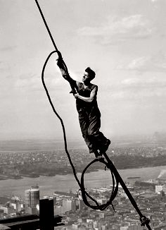 Icarus Empire State Building, 1930-1931 ©George Eastman House, 2011