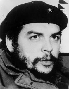 The revolutionary before his death on October 1967 in La Higuera, in Bolivia. Felix Rodriguez, Cuban Leader, Taco Bell Mexican Pizza, Ernesto Che Guevara, Tacos And Burritos, Fidel Castro, Guerrilla, Mug Shots, Popular Culture