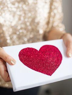 DIY glitter gift wrapping | DIY glitterilahjapaketit - Best Day Ever