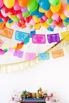 Easily create a fun and festive Fiesta Balloon Ceiling for your Cinco de Mayo party with this simple step by step tutorial for inspiration. Fiesta Theme Party, Taco Party, Balloon Ceiling, Mexican Party, Deco Table, Diy Party Decorations, Party Time, Party Party, Party Supplies
