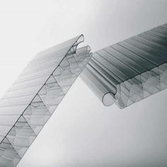 Panele z poliwęglanu komorowego to odporność na działanie czynników atmosferycznych takich jak promieniowanie ultrafioletowe. http://www.piccolux.pl/