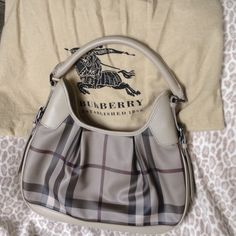 Burberry shoulder bag Nova check Burberry bag in new condition Burberry Bags Shoulder Bags