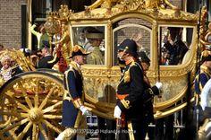 Prinsjesdag - Lesmateriaal - Wikiwijsleermiddelenplein Dutch Royalty, Queen Maxima, Saddles, Folklore, Holland, Germany, Coaches, Headpieces, Country