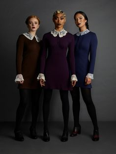The weird sisters- Chilling adventures of Sabrina as the interns all together Red Head Halloween Costumes, Last Minute Halloween Costumes, Diy Halloween, Group Halloween, Halloween Decorations, Sabrina Costume, Sister Costumes, Nerd Costumes, 90s Costume