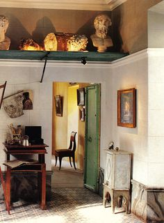 Catherine Sterling-Binda entry hall, Province, unknown publication