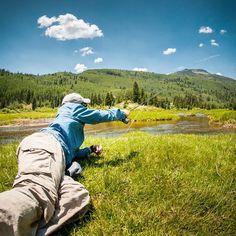 Some days you gotta get low. #twofistedheart #flyfishing #coloradoflyfishing #orvisflyfishing #troutbum #flyonly