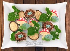 Woodland Easter Cookies by Semi Sweet Designs ::xlaurieclarkex- lookit the method on the nests! And the logs!